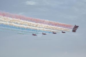 Red Arrows at RAF Cosford airshow by Breezypants