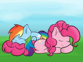 Fluffy nap by victoreach