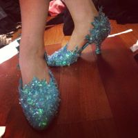 Elsa Shoes by ashlynnedaecosplay
