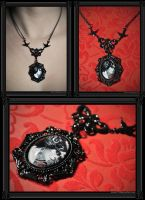 'Gothic Roses' Necklace by 13thpsyche