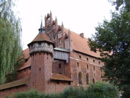 Malbork Castle by angelines