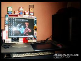 ART YELLOW ROOMDESK a.k.a MOMO by nengpupudh