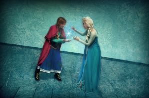 Do the Magic Elsa! frozen cosplay by MissWeirdCat