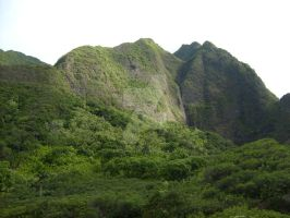 Mountain In Iao Valley by SharinganWeasalLight