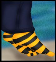 Bees socks colored by Fallonkyra