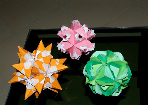Origami fun by Loony-Lucy