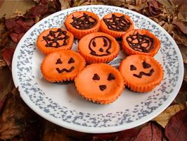 Mini Halloween Cheesecakes by Cassandrina