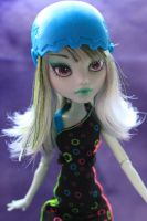 Monster High Repaint - SKRM Frankie by Mowsette