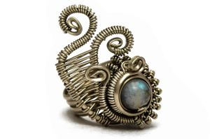 Wire Wrap Cocktail Ring with Labradorite stone by hyppiechic