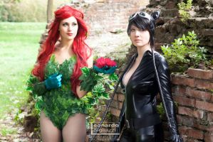 CatWoman and Poison Ivy - 02 by LeonardoFoto