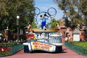 Disney World Parade by katiezstock