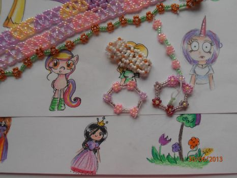Drawings and bracelets by Ane-Mariee