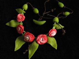 necklace roses by JustOldPurpleAngel