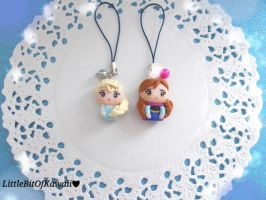 Frozen Anna and Elsa chibis by LittleBitOfKawaii