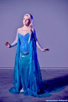 Elsa Queen  - Frozen by FrancescaMisa