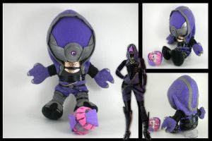 Tali'Zorah plushie with drone by eitanya