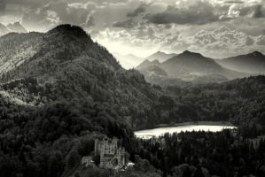 Castle in the Mountains by yarrangee