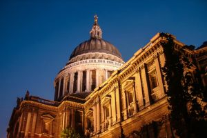 Dome of St. Paul's by fotomanisch