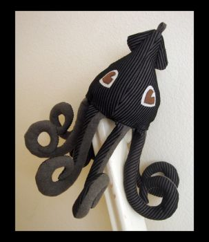 Black Gray Squid Plush 4 by TheCurseofRainbow