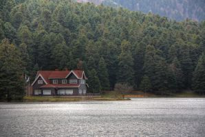 The Lake House in Golcuk by hephahistos