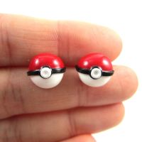 Pokeball earrings by TrenoNights