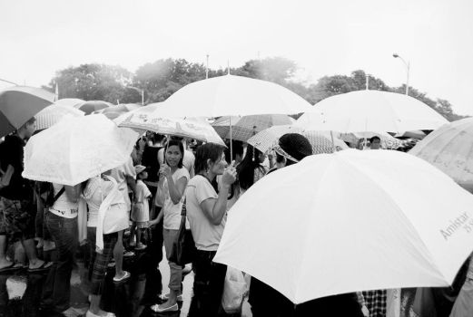 No rain can stop the people by moraytafix