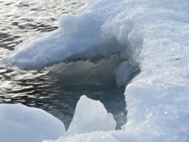 look in side the ice cave by Nipntuck3