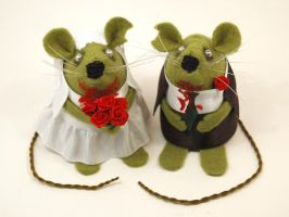Mr and Mrs Zombie Mouse by The-House-of-Mouse