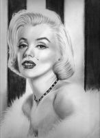 Marilyn Monroe by rainingsunschein