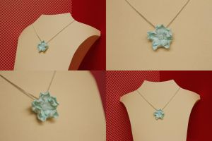 Flower pendant of clay by theKuki