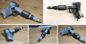 Sci fi Prop Gun Made From Bits by ROB10000005