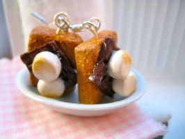 S'mores Dangle Earrings by AlliesMinis