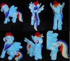 Running Rainbow Dash by PlushPrincess