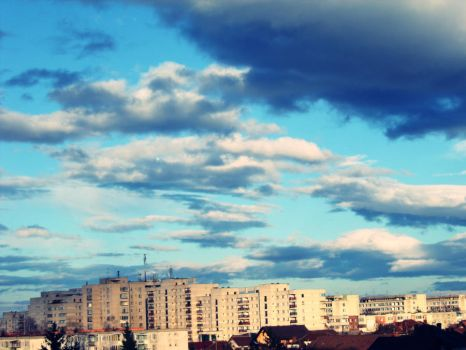 Cloudy 25 of December 5 by flyfi