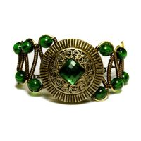Bracelet - Victorian Era Antique Green button by CatherinetteRings