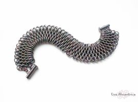 Chainmaille: Dragonscale Bracelet Take Two by LinaIvelle