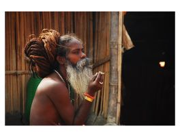 Smoking Sadhu by sasonian37