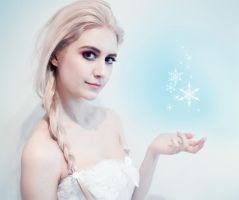 Elsa CosTest ~Frozen~ by SaicaChii