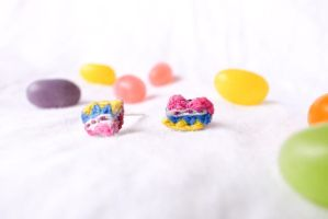 Boho Chic, Tiny Embroidery Heart Earrings by CaramellyBurn