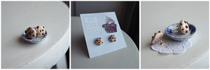 Chocolate Chip Cookie Earrings by heysugar