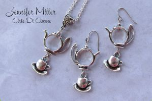 Teapot and Teacup Wonderland Inspired Necklace and by ArteDiAmore