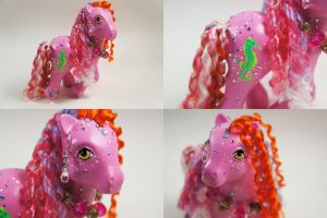 Pink Seahorse pony by lovelauraland