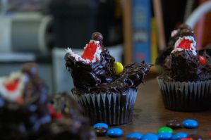 Lycanthrocupcakes by Baron-Mookie