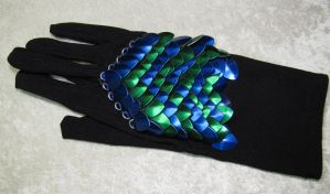 Small scale glove by SarahTheSlightlyMad
