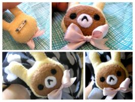 Rilakkuma with a bunny hat | Brooch by Rasa-chi