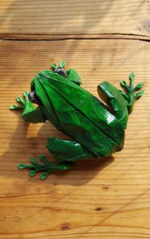 Origami: Tree Frog (painted) by p4ndor4TheBox