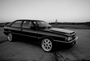 Audi 80 Coupe BW by ShadowPhotography