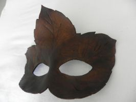Autumn leaf Mask by Polymnia88