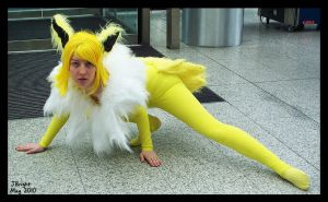 Jolteon on the Prowl by pdutogepi
