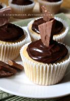 Daim Bar Cupcakes by claremanson